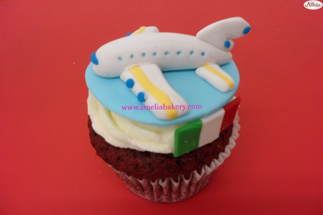 Cupcake-decorado-avion-italia-amelia-bakery_0_water