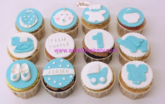 Cupcakes cumpleaños bebe babyshower cupcakes personalizados www.ameliabakery.com