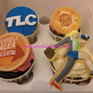 Cupcakes-decorados-fondant-corporativos-Jalea-Real-juanola_water