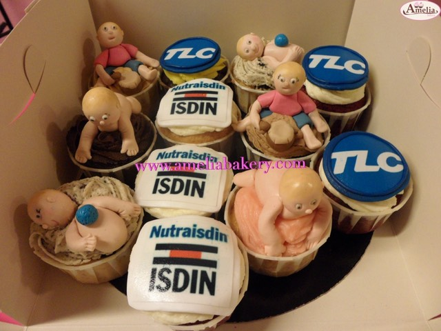 Cupcakes-decorados-fondant-corporativos-bebe_water