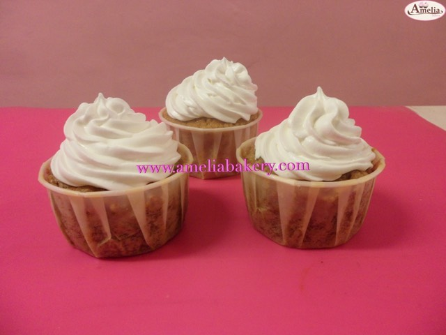 Cupcakes-sin-lactosa-amelia-bakery_water
