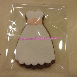 Galleta-decorada-fondant-vestido-amelia-bakery_water