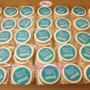Galletas corporativas Nestle logo | Amelia Bakery