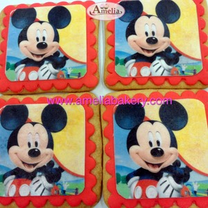 Galletas-decoradas-fondant-minie-mouse-amelia-bakery-web