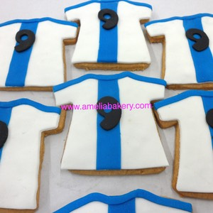 Galletas-decoradas-fondant-camiseta-real-madrid-amelia-bakery_water