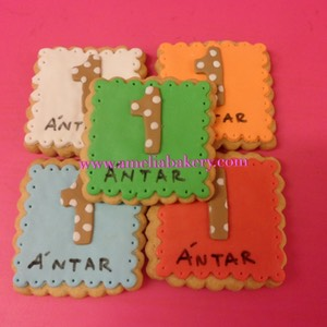 Galletas-decoradas-fondant-numero-nombre-amelia_water