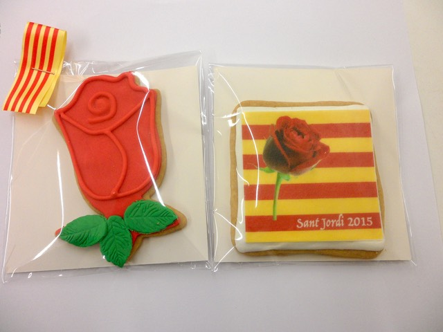 Galletas-decoradas-fondant-sant-jordi-2015-amelia-bakery