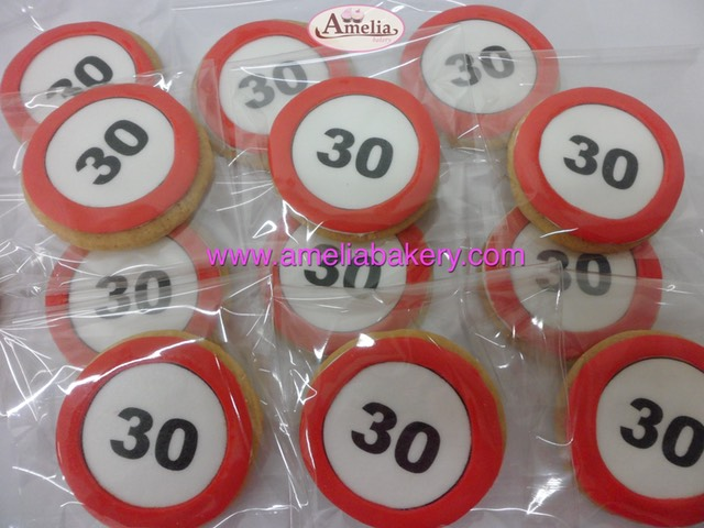 Galletas-decoradas-fondant-corporativo-piruleta-fettaf-amelia-bakery-web