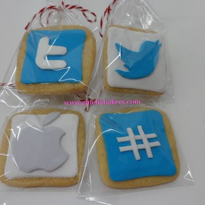 Galletas-decorados-fondant-twitter-amelia-bakery_water