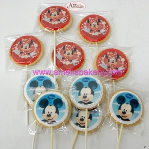 Galletas mickey minnie con piruleta en oblea | Amelia Bakery