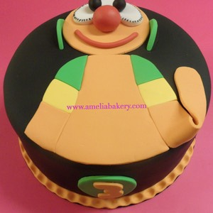 Pastel-tarta-decorado-fondant-Mic-tv3-amelia-bakery_water
