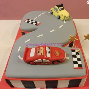Pastel-tarta-decorado-fondant-disney-cars-amelia-bakery 0 water
