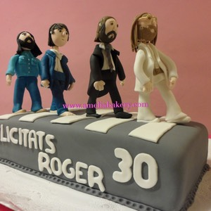 Pastel-tarta-decorado-fondant-beatles-abby-road-amelia-bakery_water
