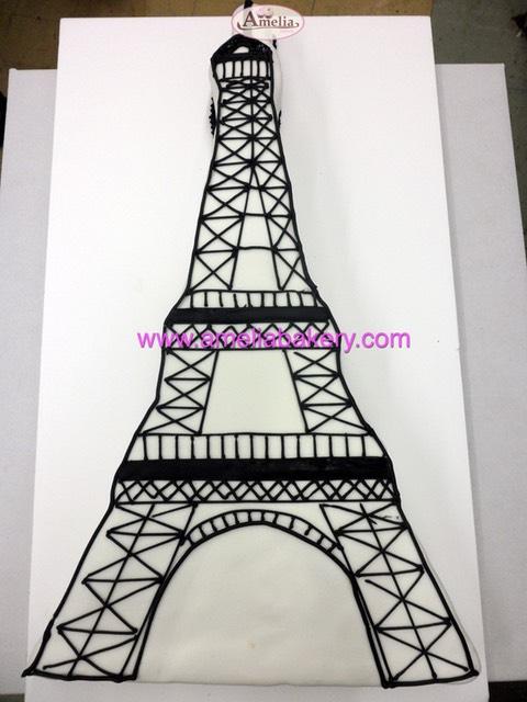 Pastel tarta fondant torre eiffel amelia bakery for Cuartos decorados de la torre eiffel
