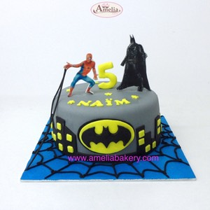 Tarta-batman-vs-spiderman-fondant-oblea_web