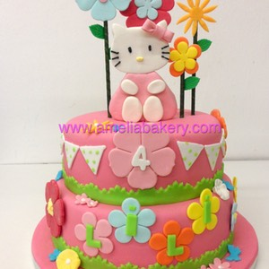 Tarta Hello Kitty fondant www.ameliabakery.com