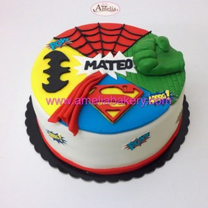Tarta superheroes avengers hulk batman superman | Amelia Bakery